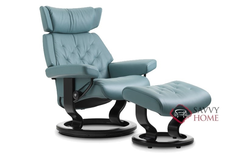 skyline leather reclining chair by stressless is fully customizable